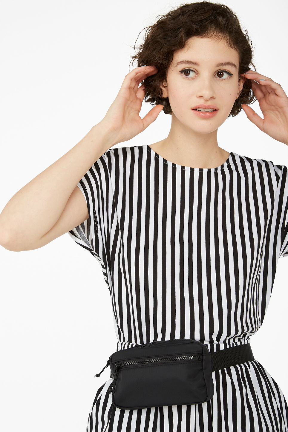 Model front image of Monki oversized back detail top in black