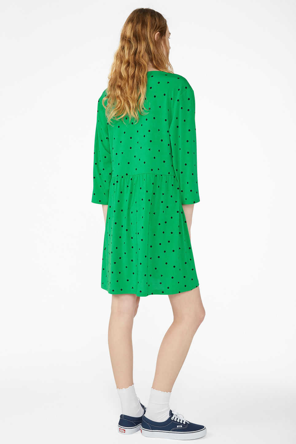 Model back image of Monki oversize v-neck dress in green