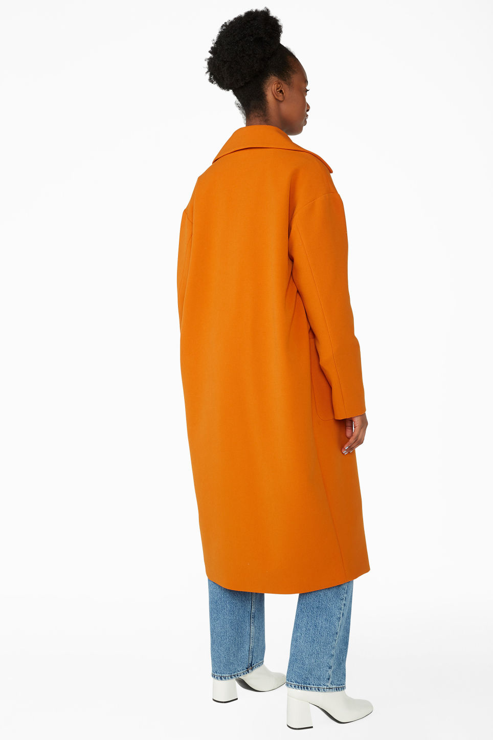 Model back image of Monki double breasted coat in orange