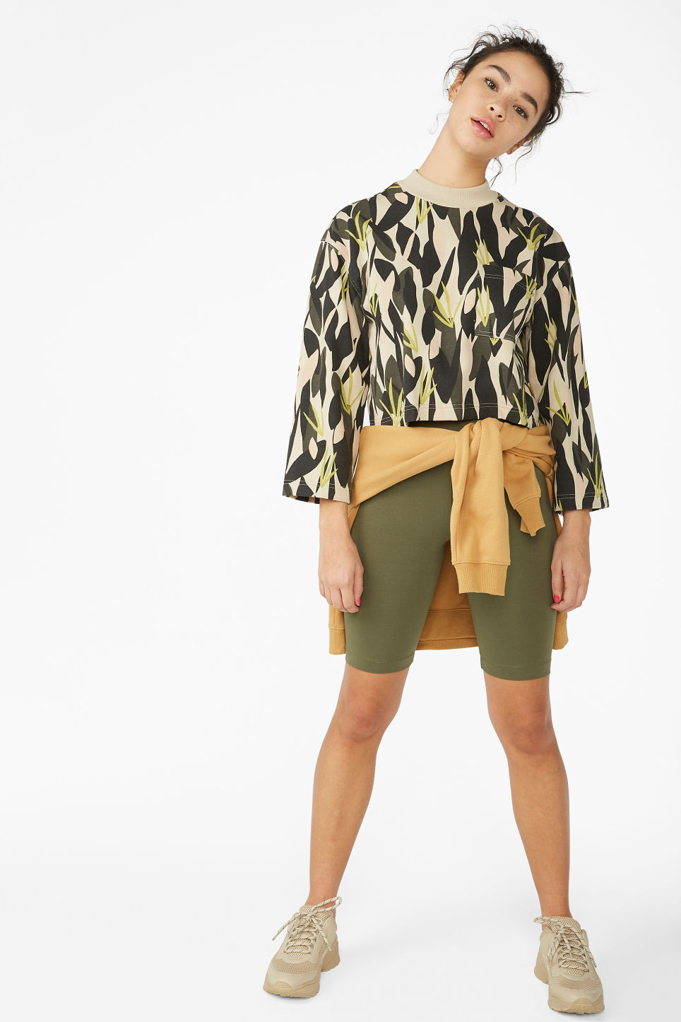 Model front image of Monki cropped sweater in green