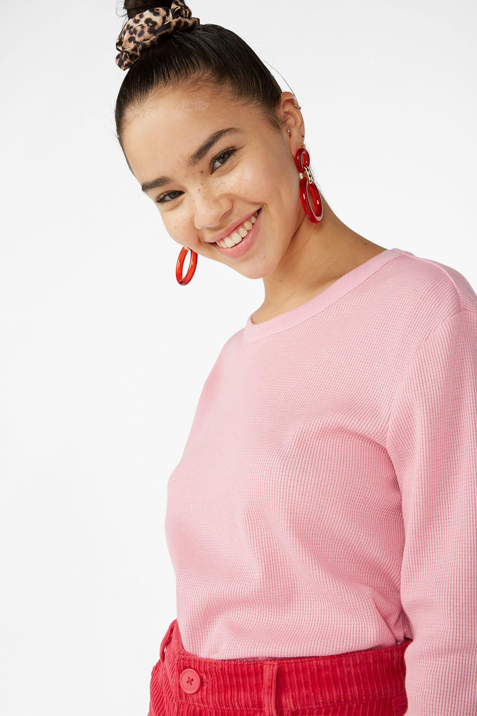 Model front image of Monki waffle knit pullover in pink