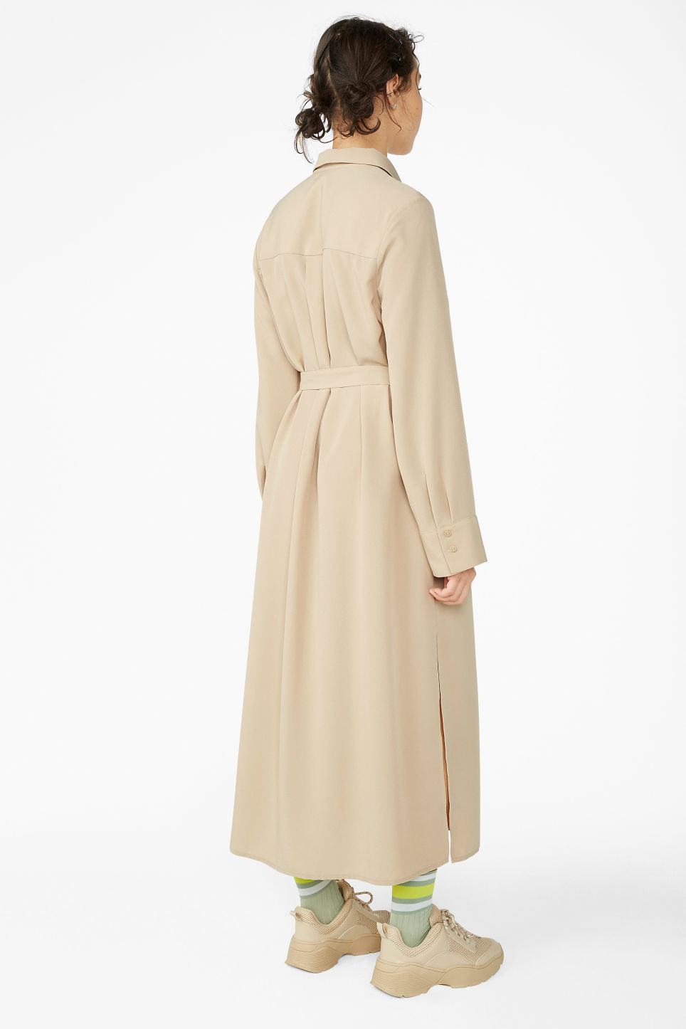 Model back image of Monki flowy utility dress in beige