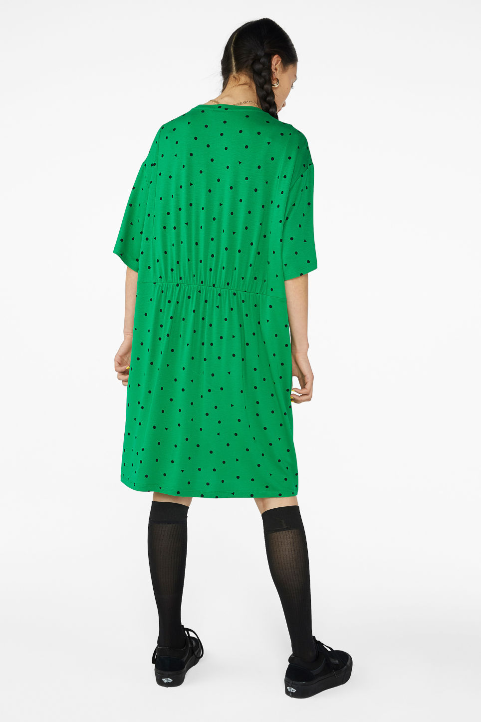 Model back image of Monki ruffled t-shirt dress in green