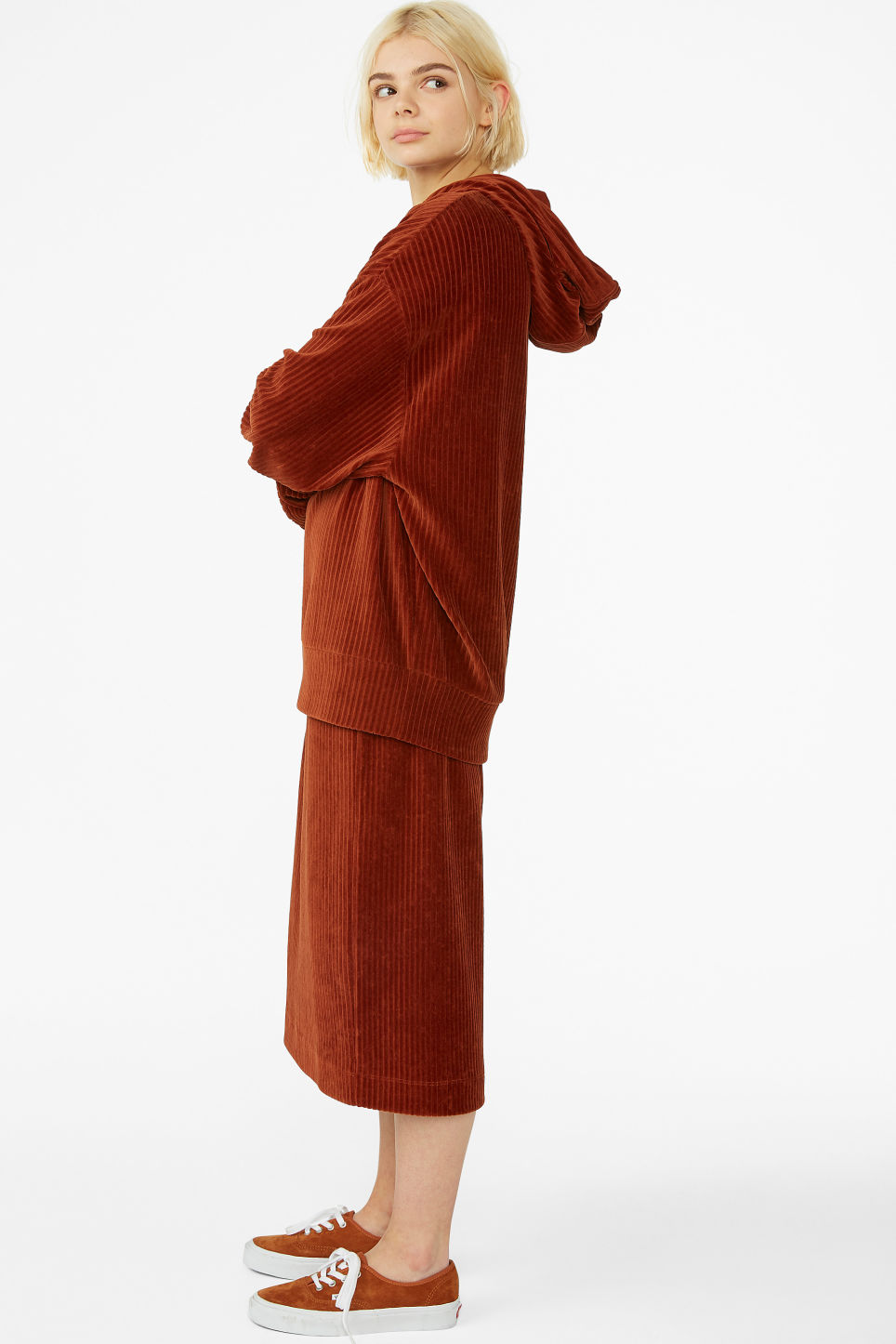 Model front image of Monki soft ribbed velour hoodie in orange