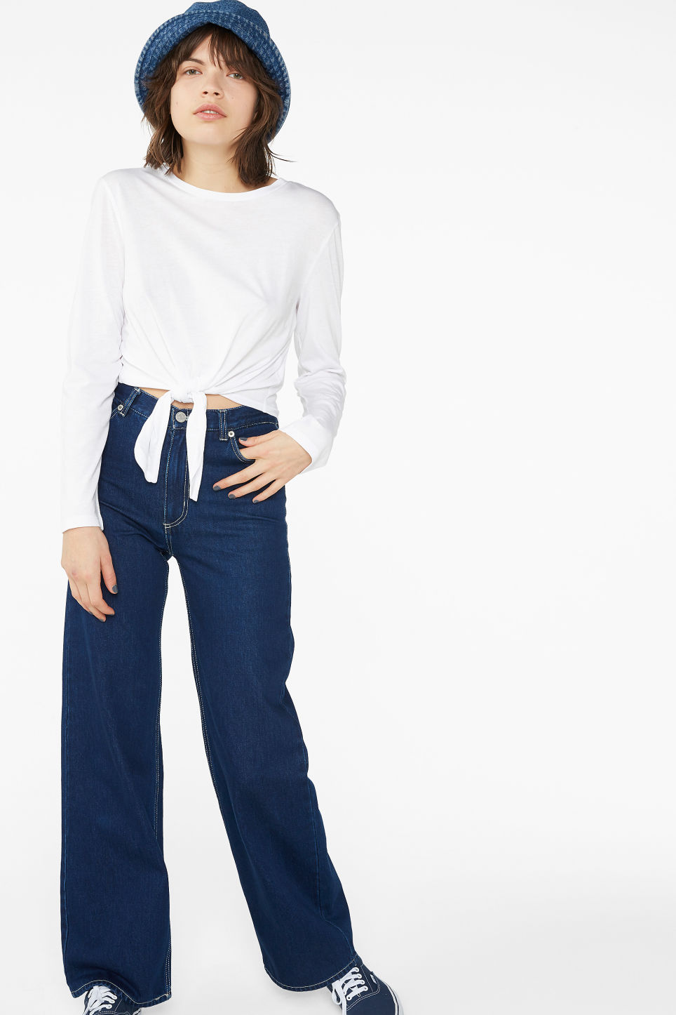 Model side image of Monki tie front top in white