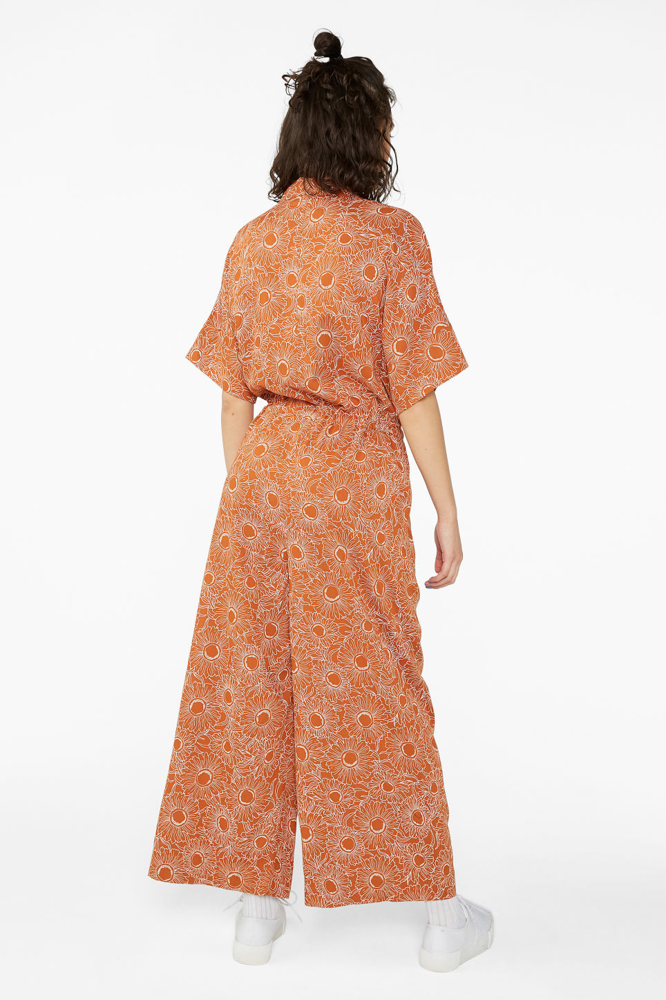 Model back image of Monki short-sleeved jumpsuit in orange