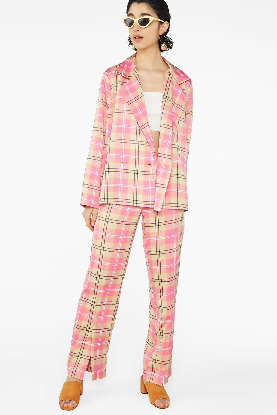 Model front image of Monki double-breasted blazer in pink