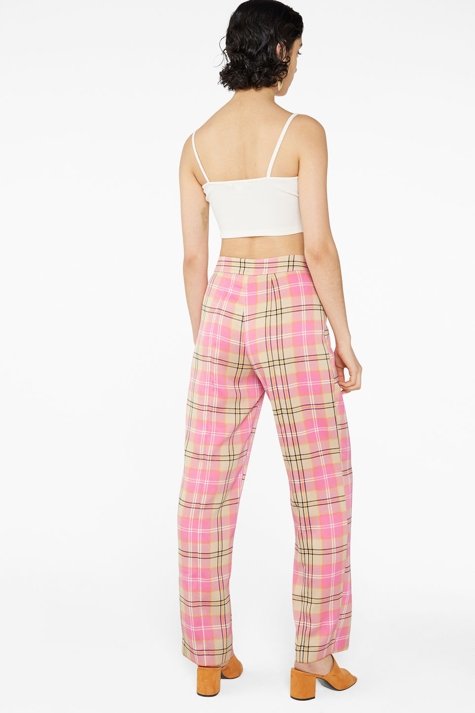 Model back image of Monki dressy trousers in pink
