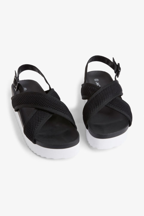 Sporty cross-strap sandals