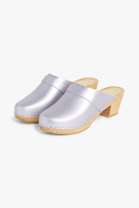 Moheda Leather clogs