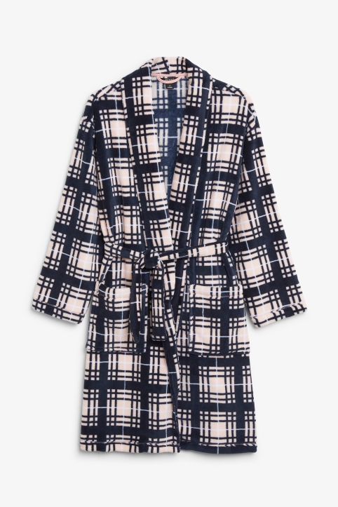 Checked fleece robe