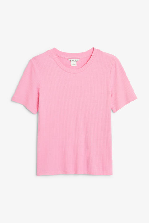 Ribbed stretchy tee