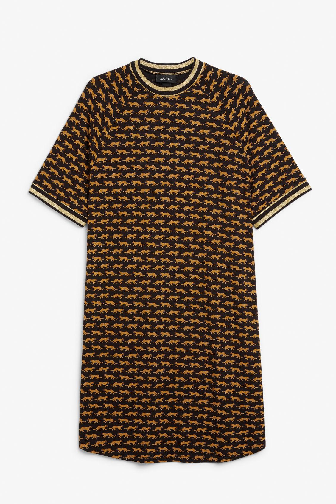 0bfed517b4 Sporty t-shirt dress - Tiger print - Dresses - Monki
