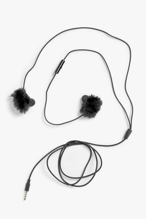 Pom-pom in-ear headphones