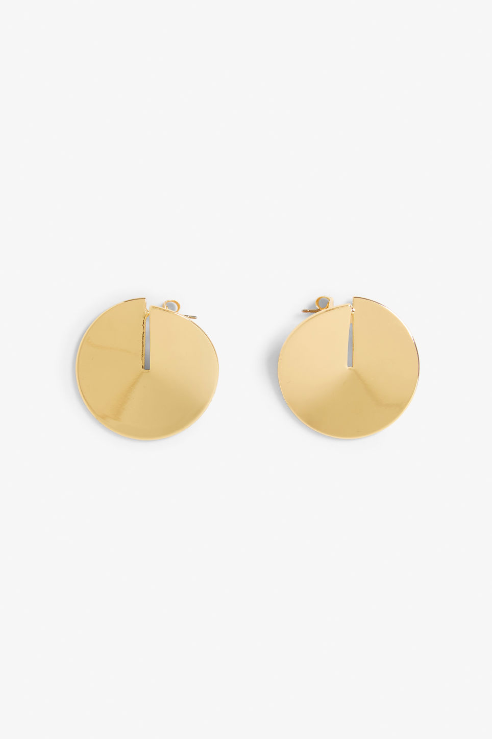 Front image of Monki goldish circle studs in gold