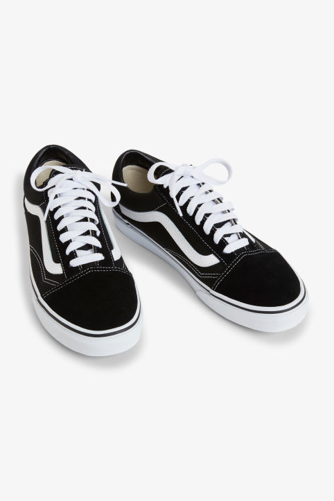 Front image of Monki vans old skool  in black