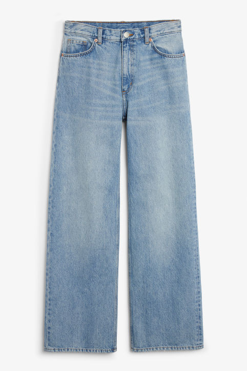 Front image of Monki yoko jeans in blue