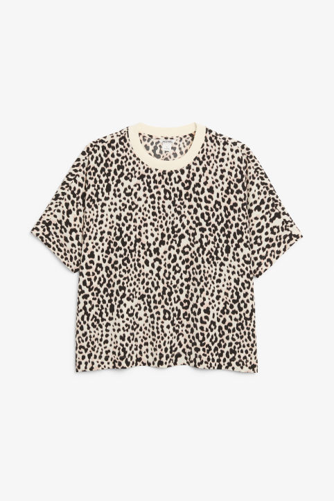 Short-sleeved woven top