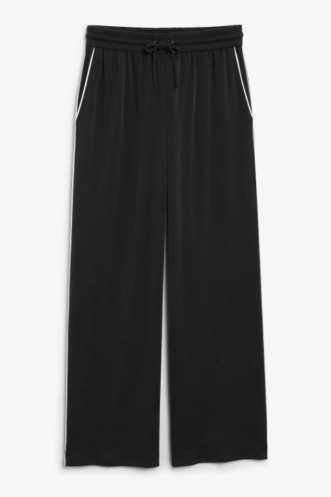 Super-soft trousers with contrast piping