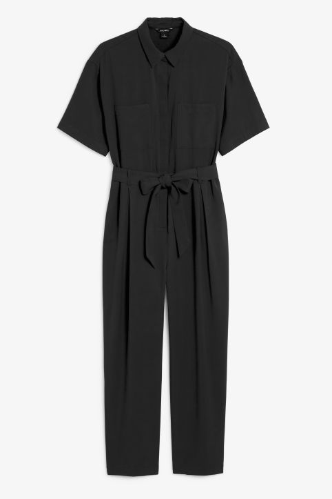 Short-sleeved flowy jumpsuit