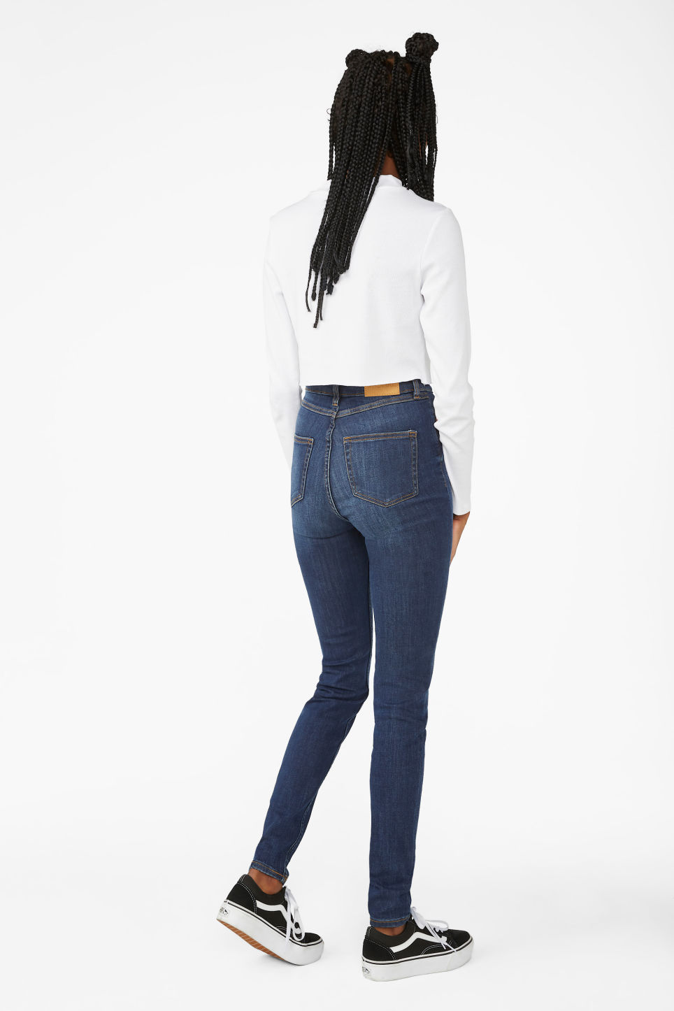 Detailed image of Monki oki mid blue jeans in blue