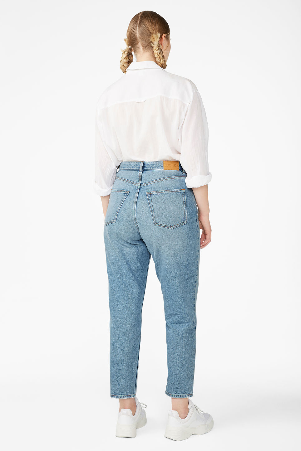 Detailed image of Monki taiki jeans blue in blue