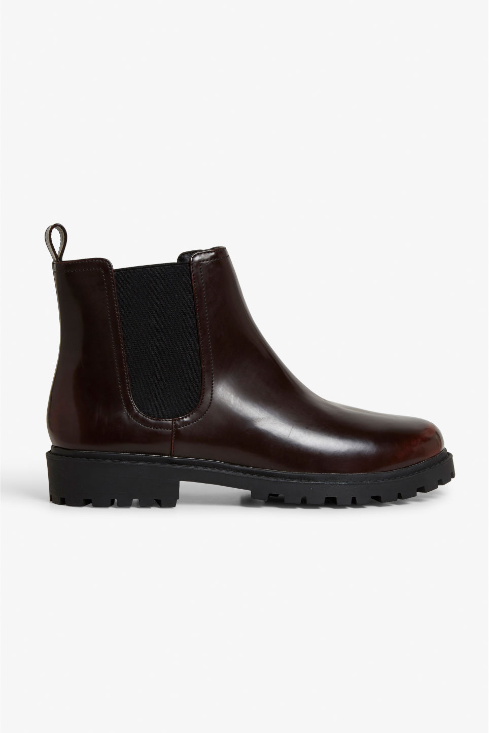 Detailed image of Monki chunky chelsea boots in red