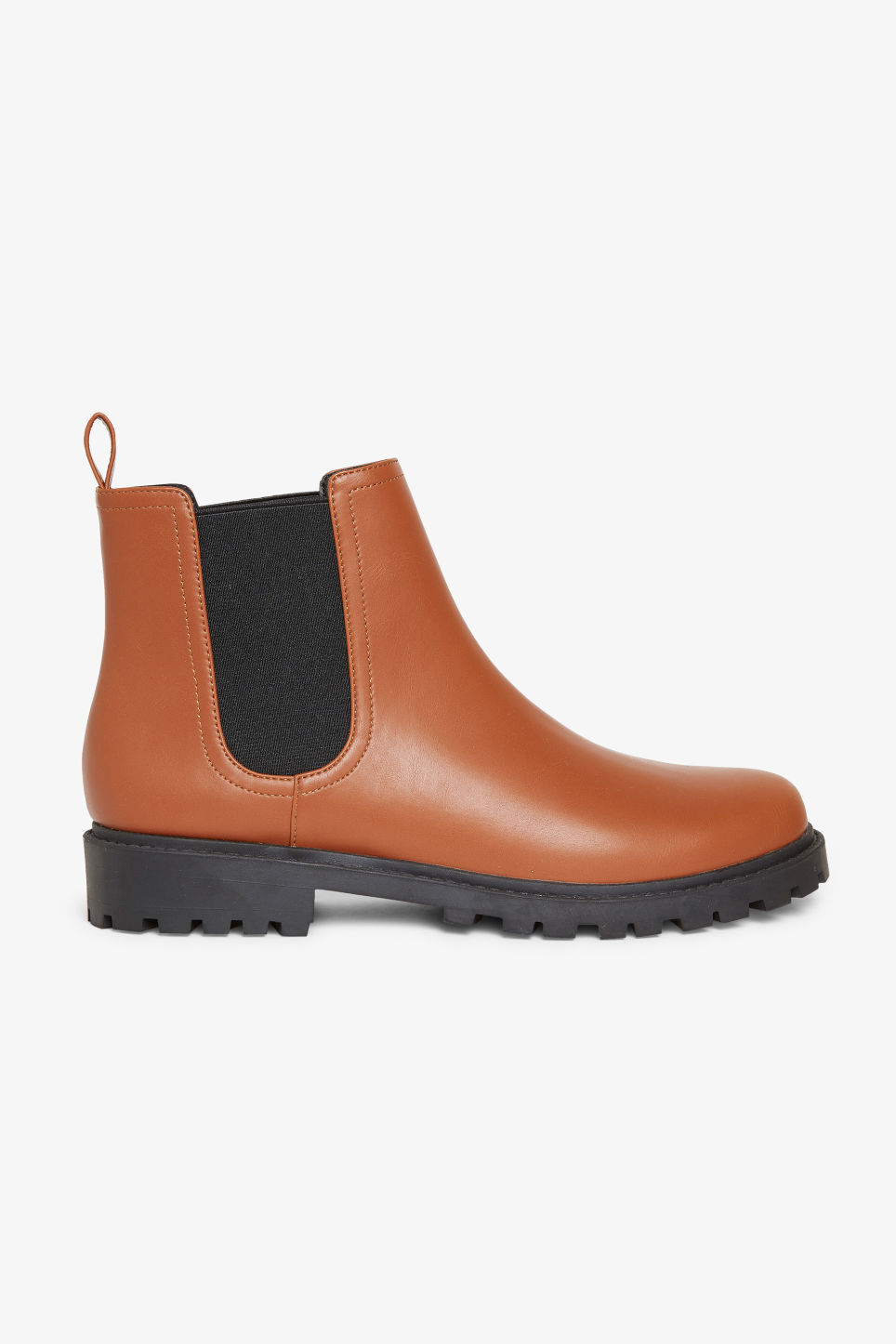 Detailed image of Monki chunky chelsea boots in beige
