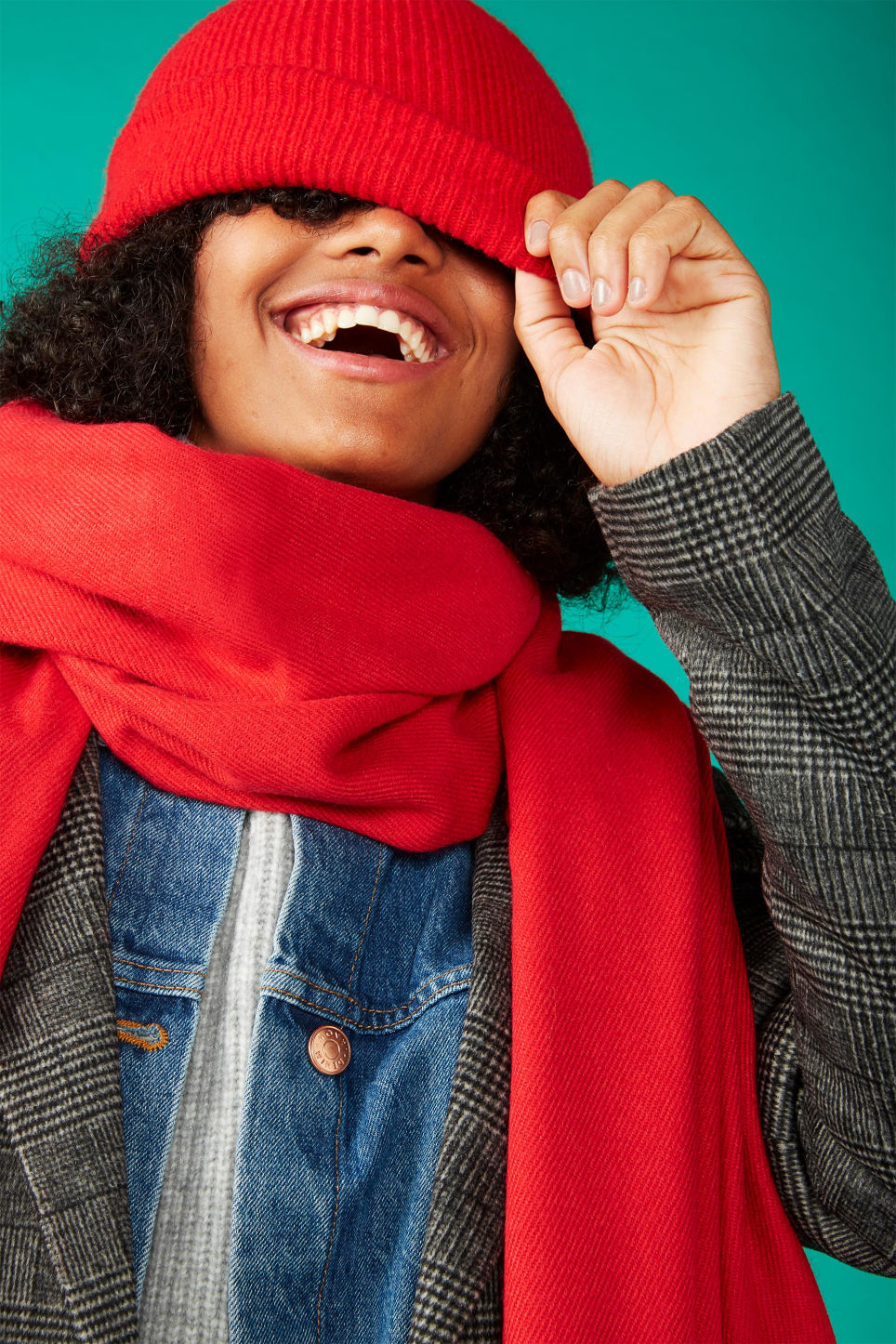 Detailed image of Monki cosy scarf in red