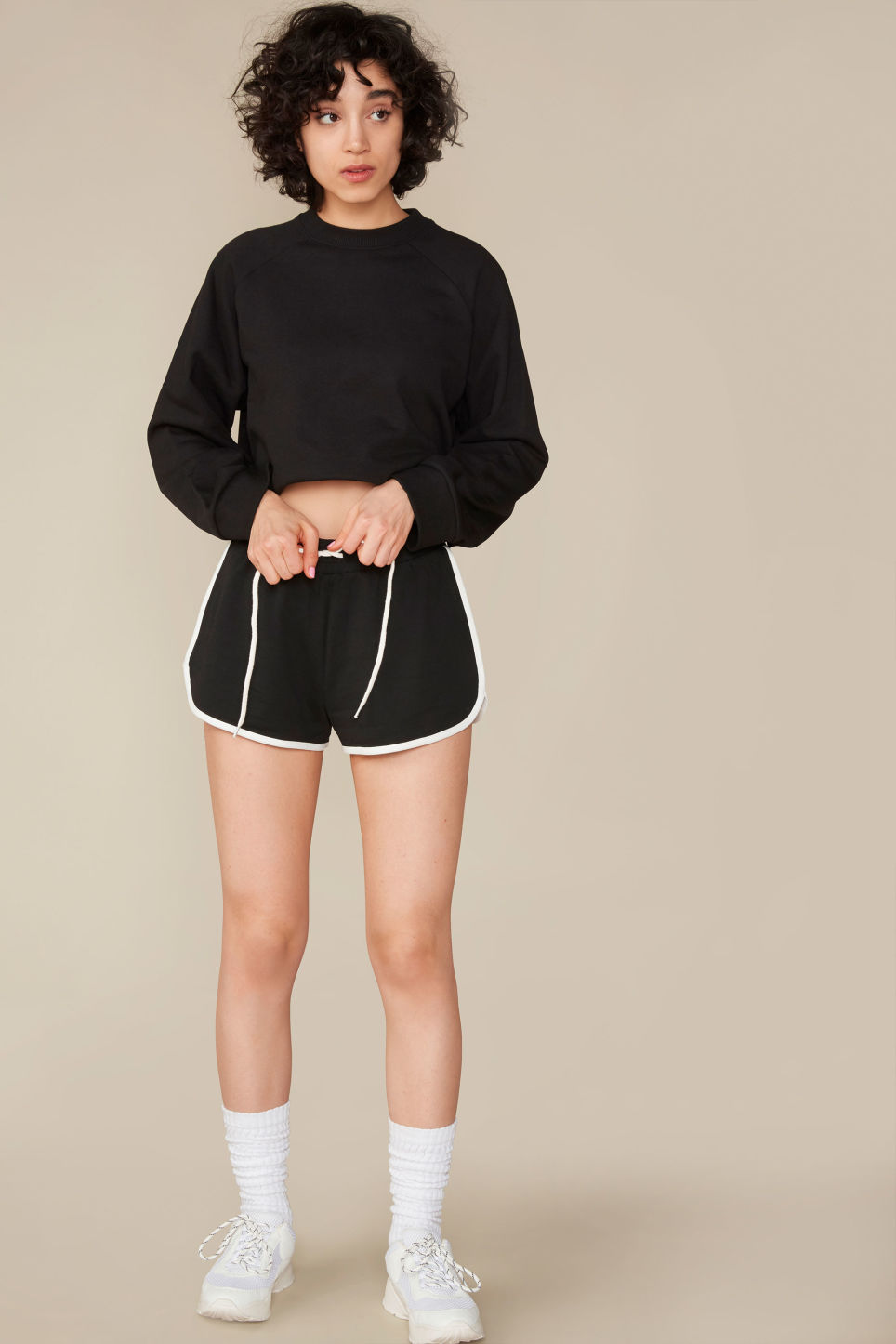 Detailed image of Monki sporty shorts in black