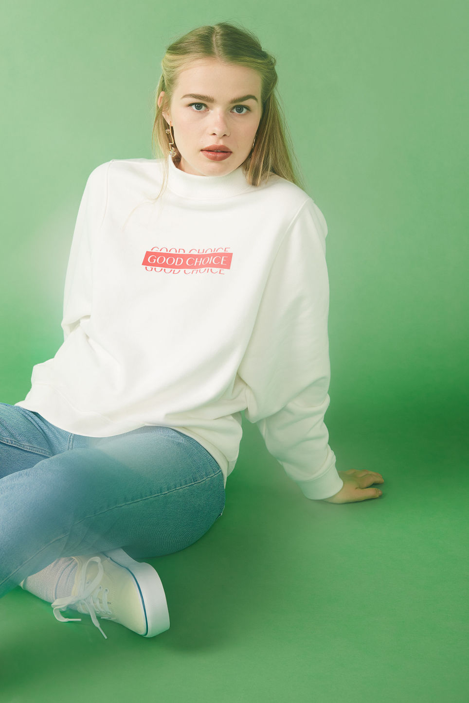 Detailed image of Monki oversized sweater in white