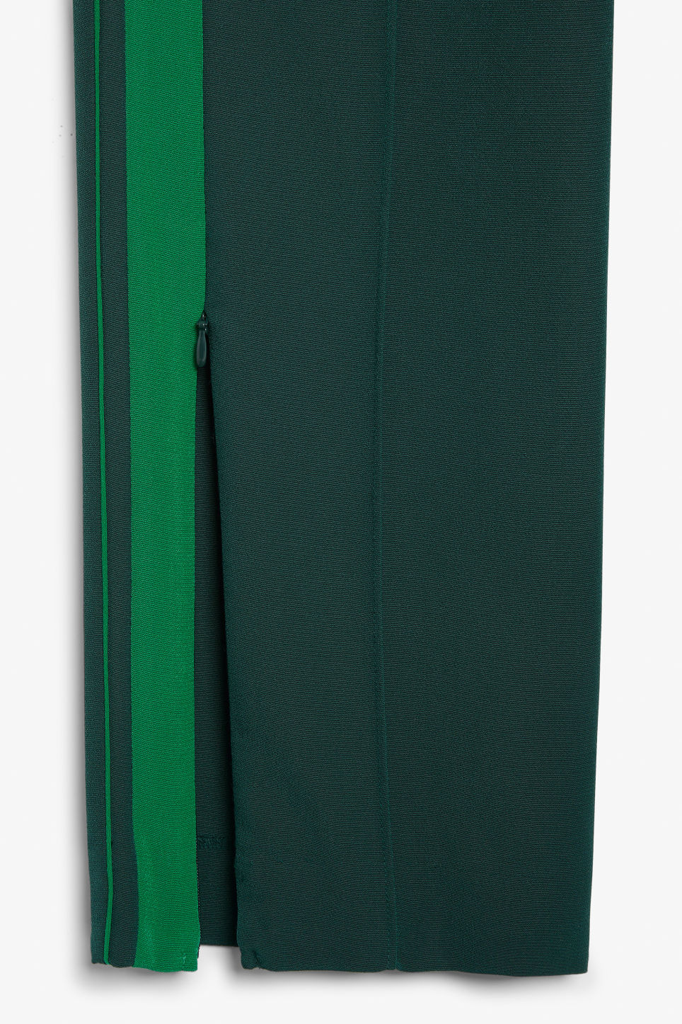 Detailed image of Monki sporty trousers in green
