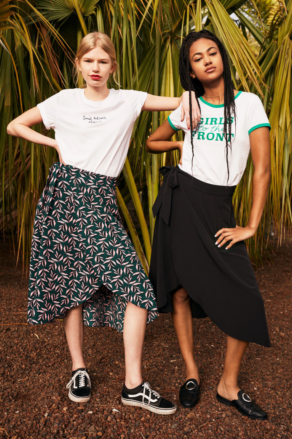 Detailed image of Monki wrap front skirt in green