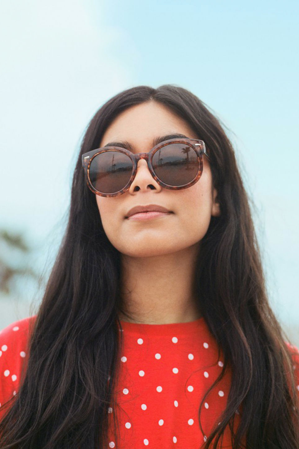 Detailed image of Monki round lense shades in brown