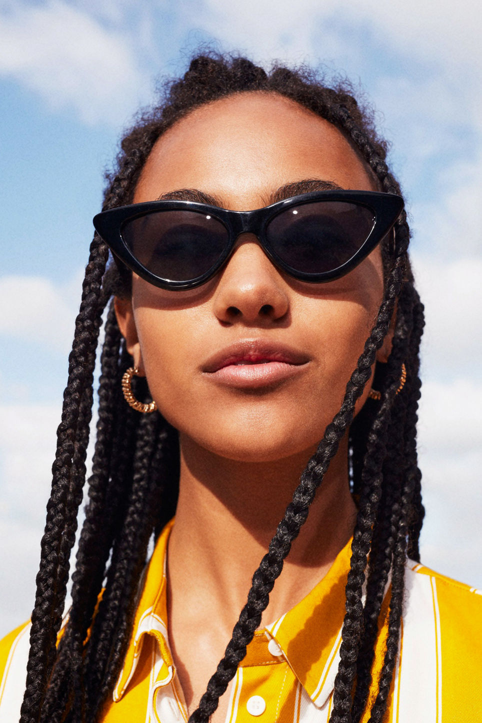 Detailed image of Monki cat eye sunglasses in black