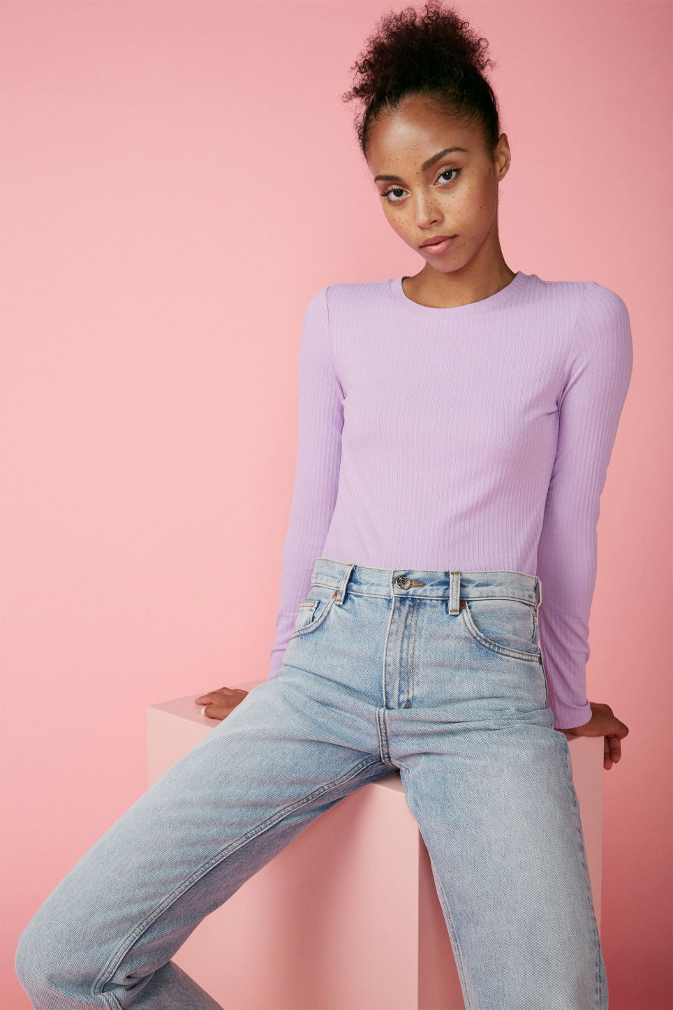 Detailed image of Monki long-sleeved ribbed top in purple