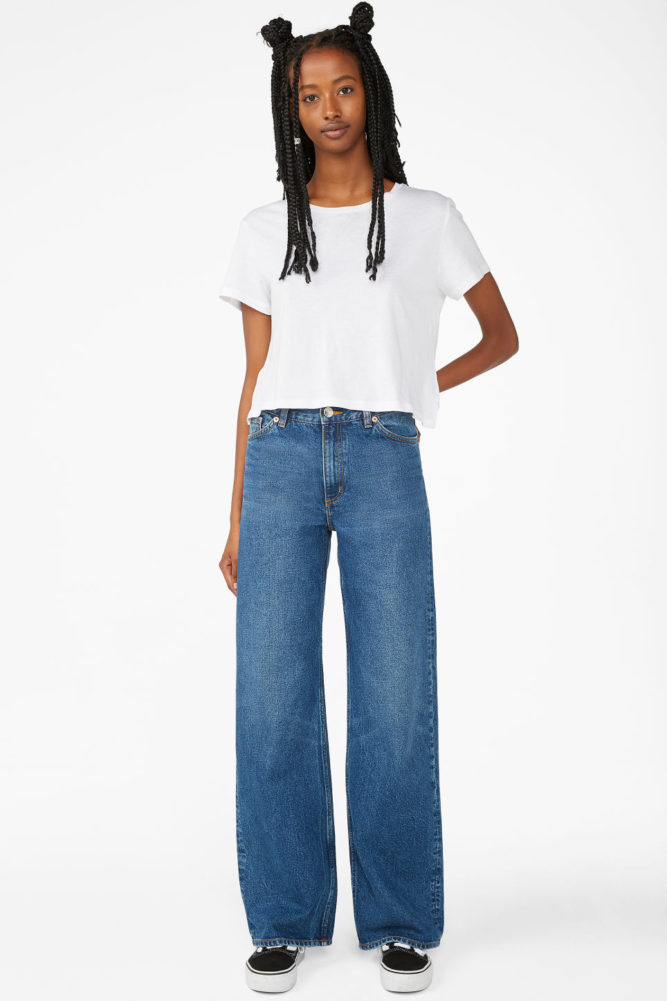 Detailed image of Monki yoko mid blue jeans in blue