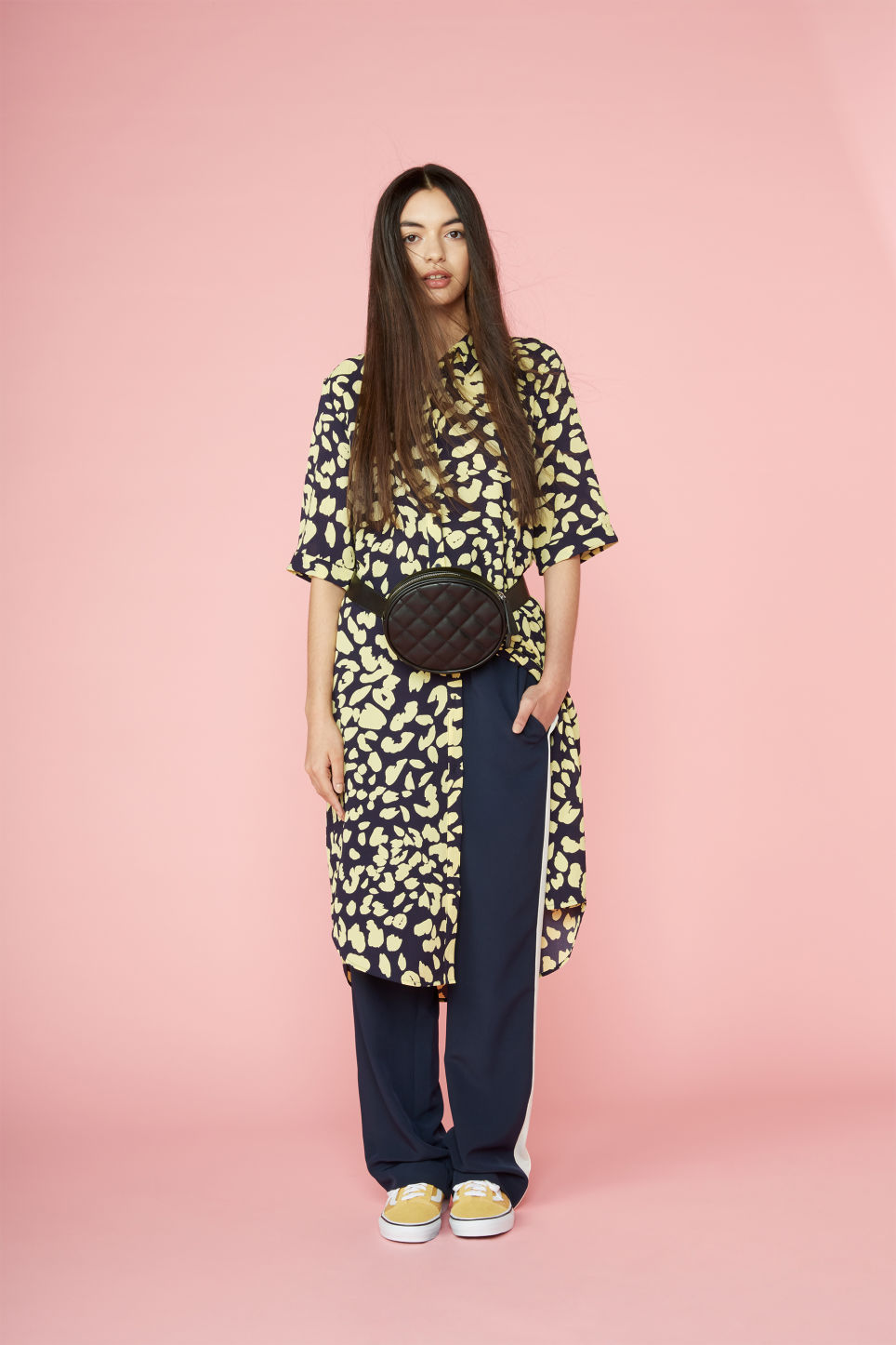 Detailed image of Monki button-up shirt dress in blue