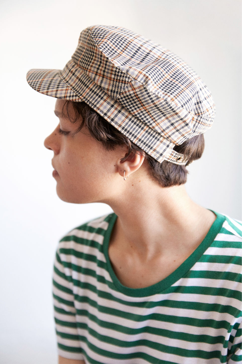 Detailed image of Monki baker boy hat in brown