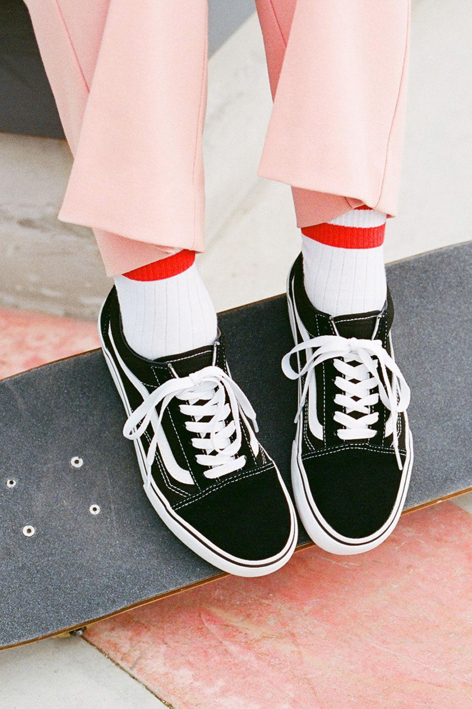 Detailed image of Monki vans old skool platforms  in black