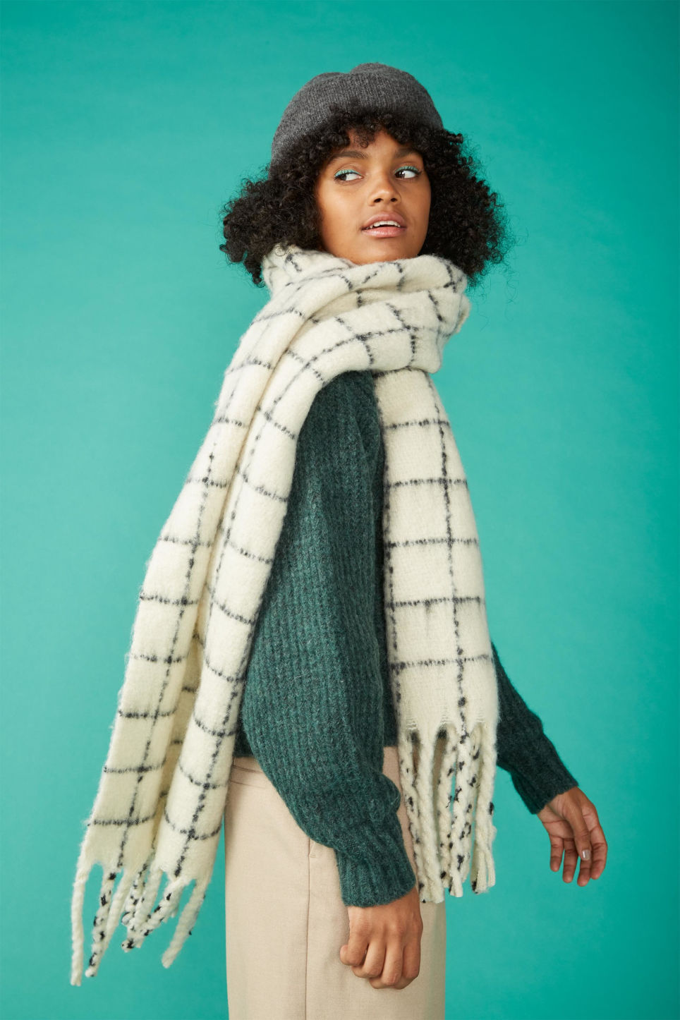 Detailed image of Monki oversized scarf in beige