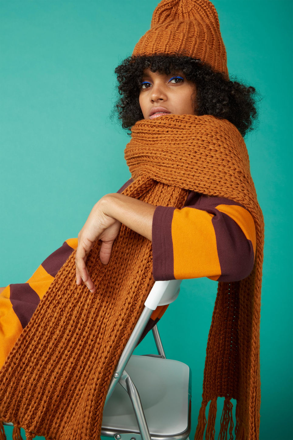 Detailed image of Monki ribbed chunky scarf in orange