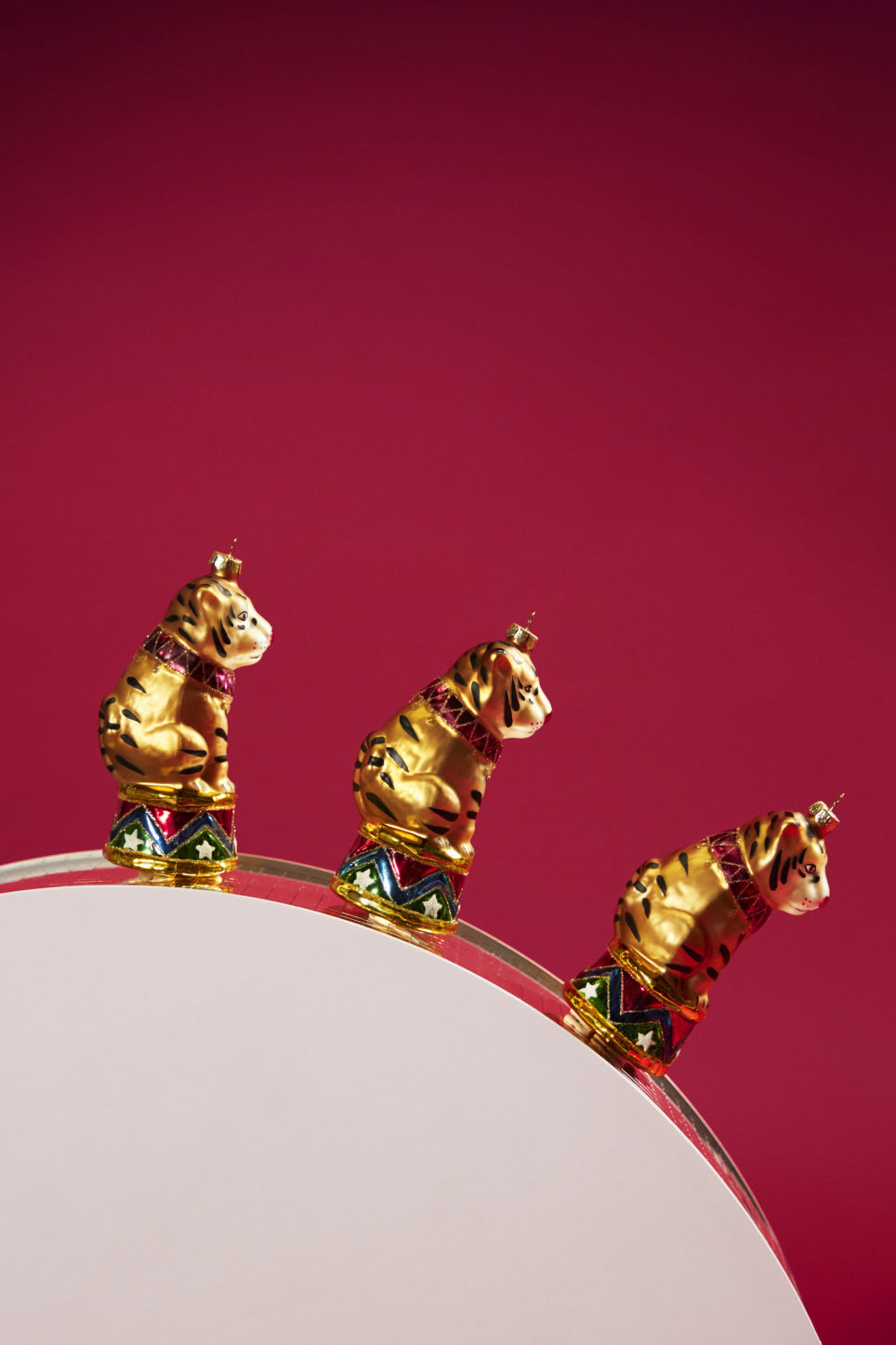 Detailed image of Monki x-mas tree decoration in gold