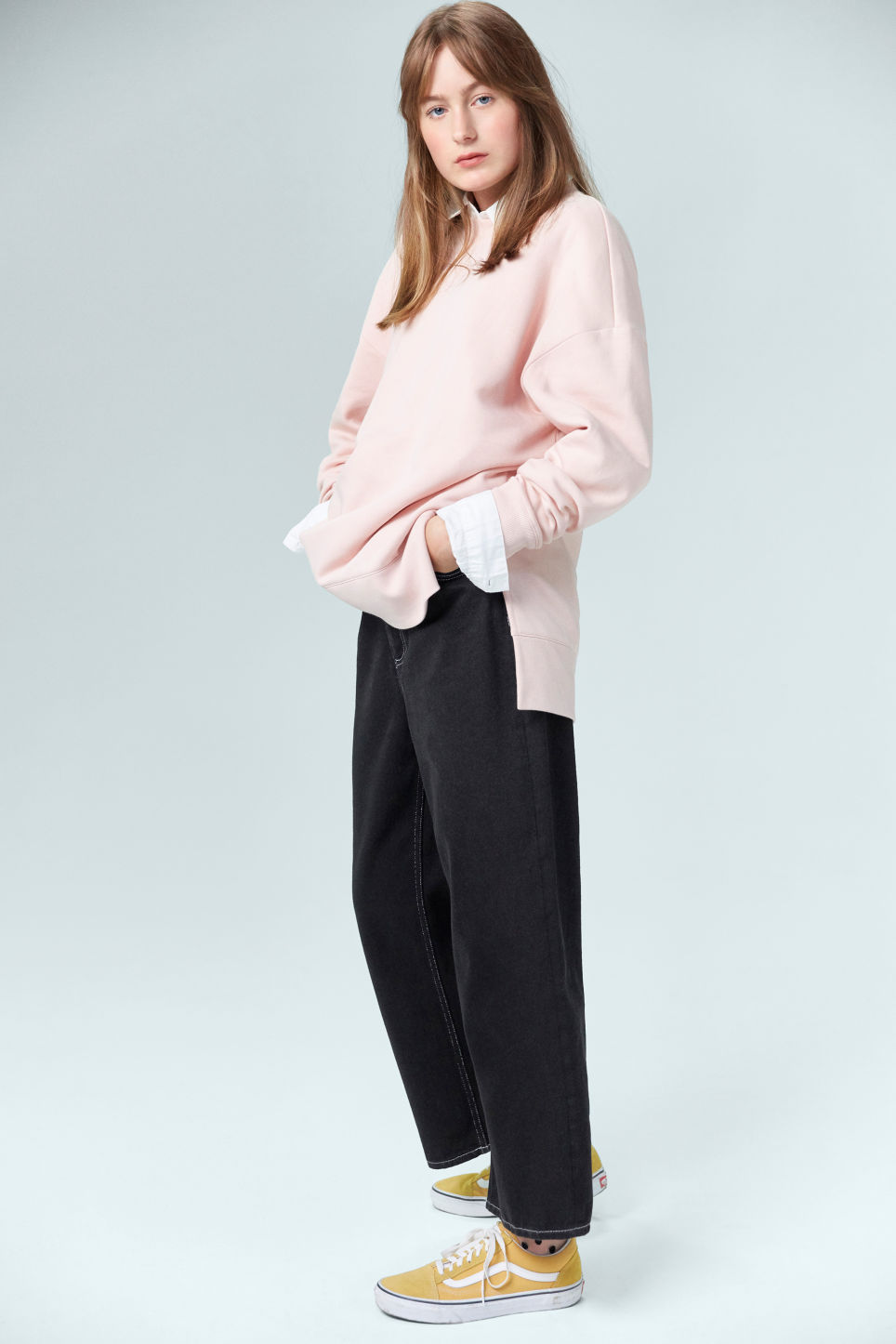 Detailed image of Monki asymmetrical sweatshirt  in pink