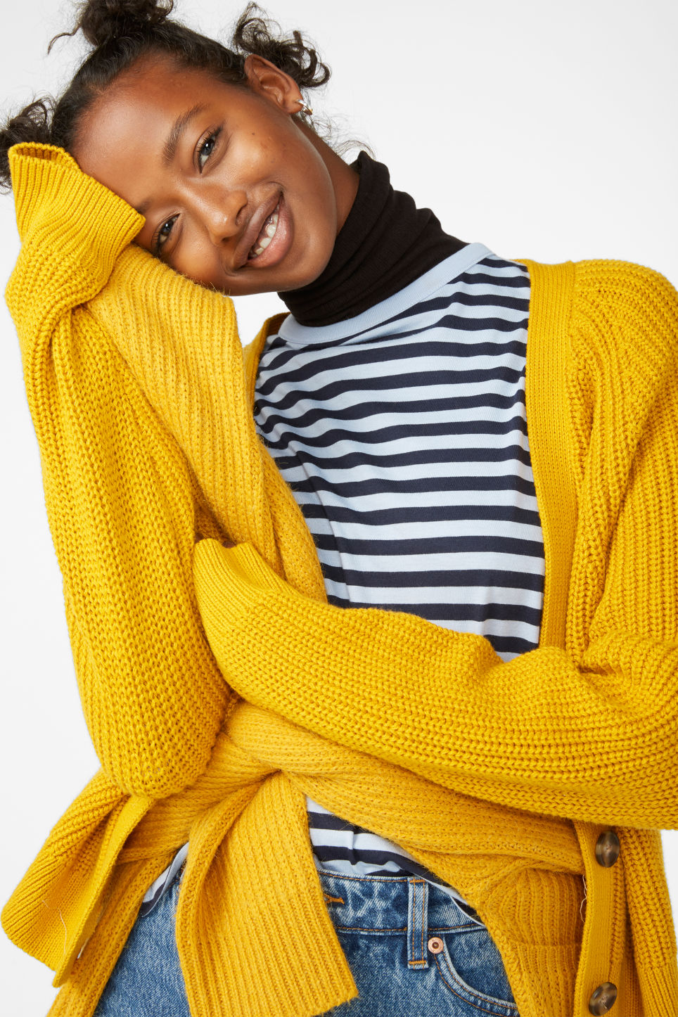 Detailed image of Monki knitted jumper in yellow