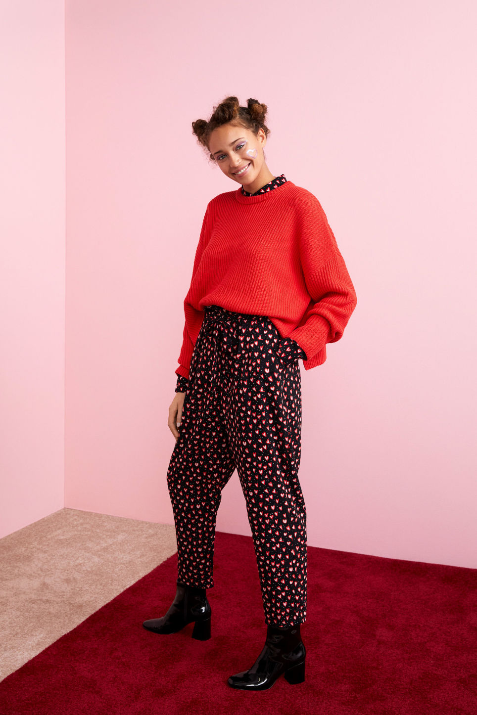 Detailed image of Monki ribbed oversized sweater in red