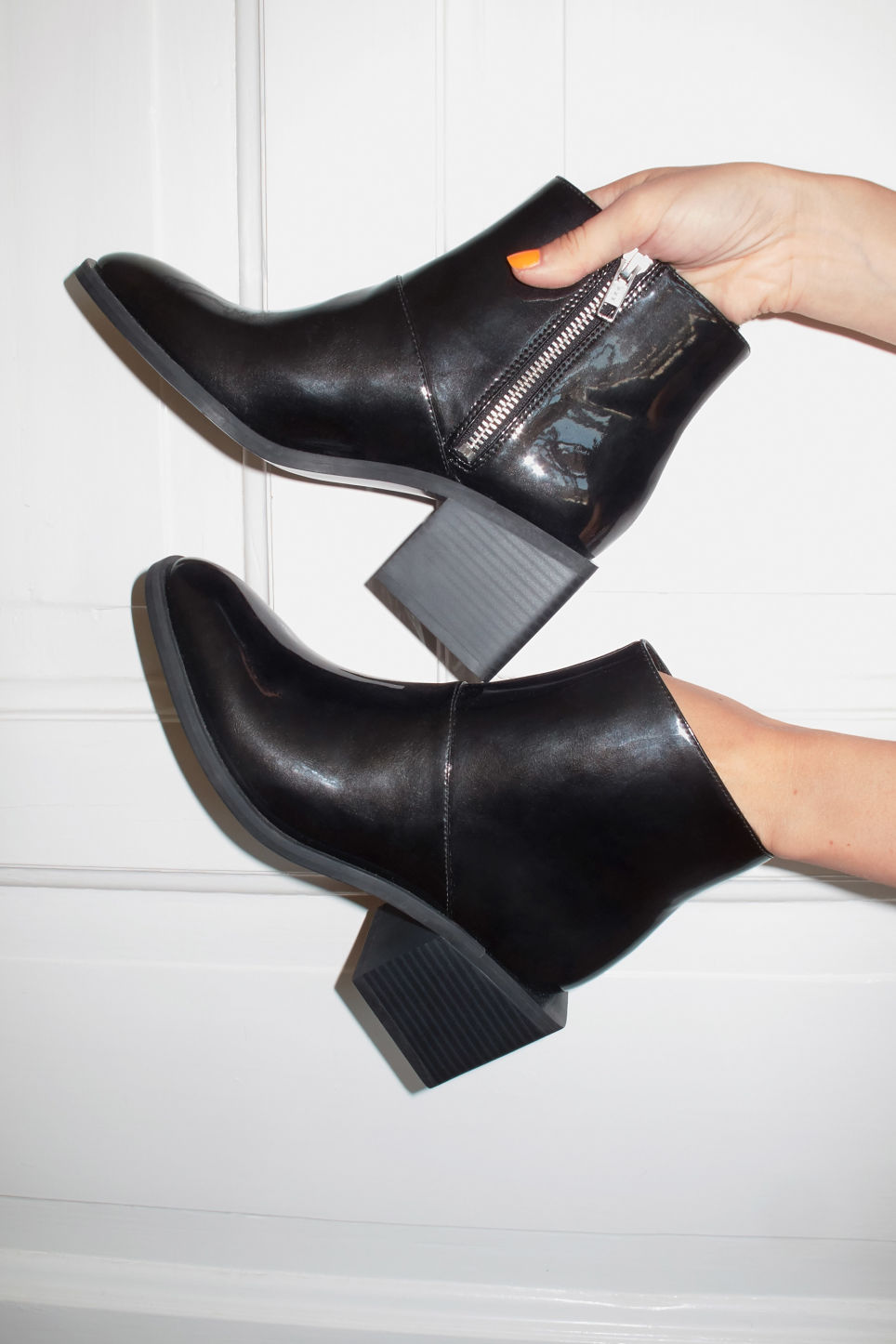 Detailed image of Monki square heel boots in black