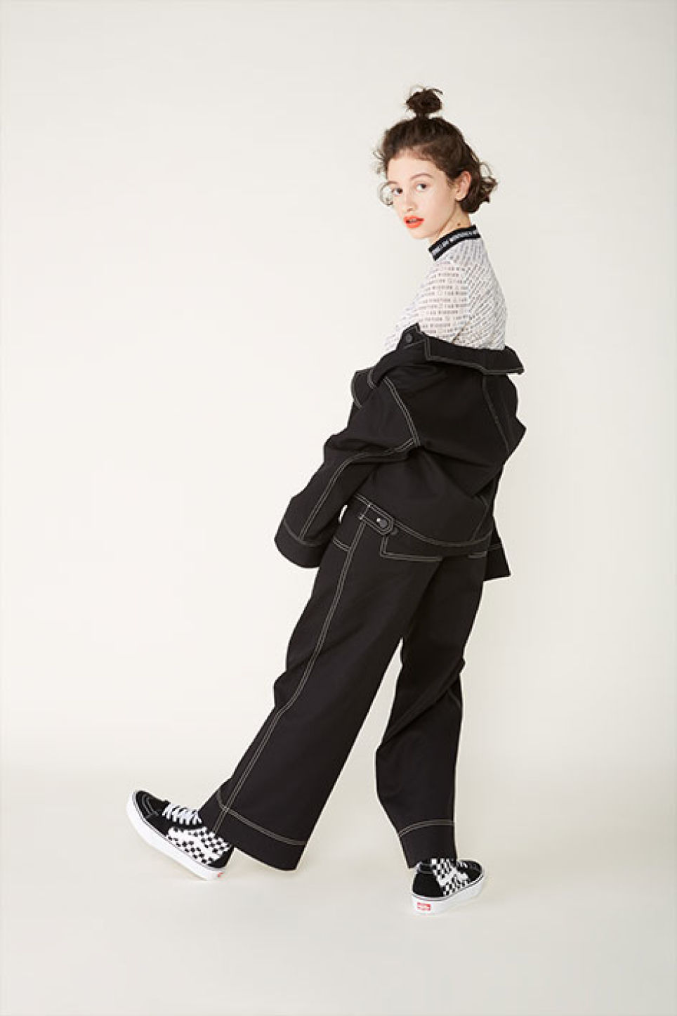 Detailed image of Monki contrast stitch utility trousers in black