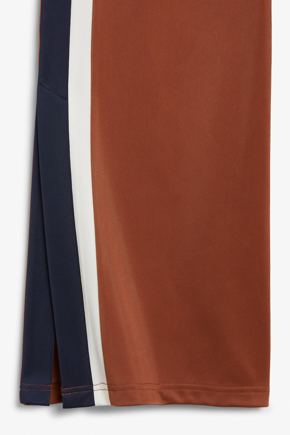 Detailed image of Monki  in orange