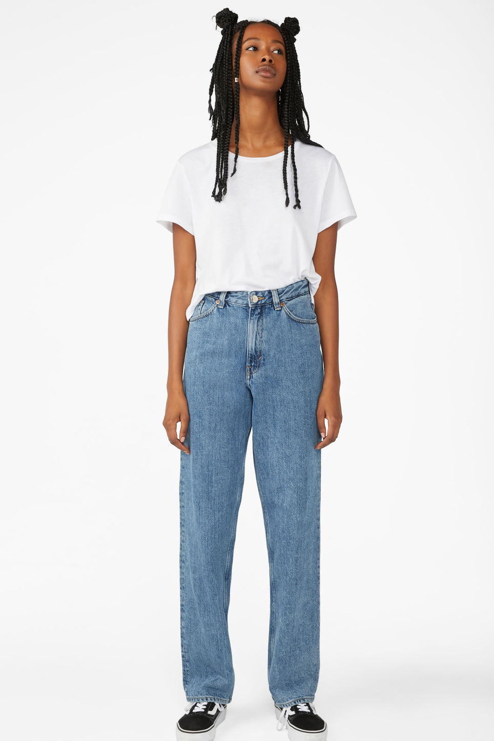 Detailed image of Monki taiki straight leg blue jeans in blue